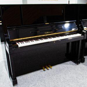 Yamaha U3 YUX