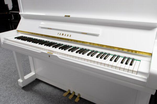 Yamaha U3E White Finish Keyboard