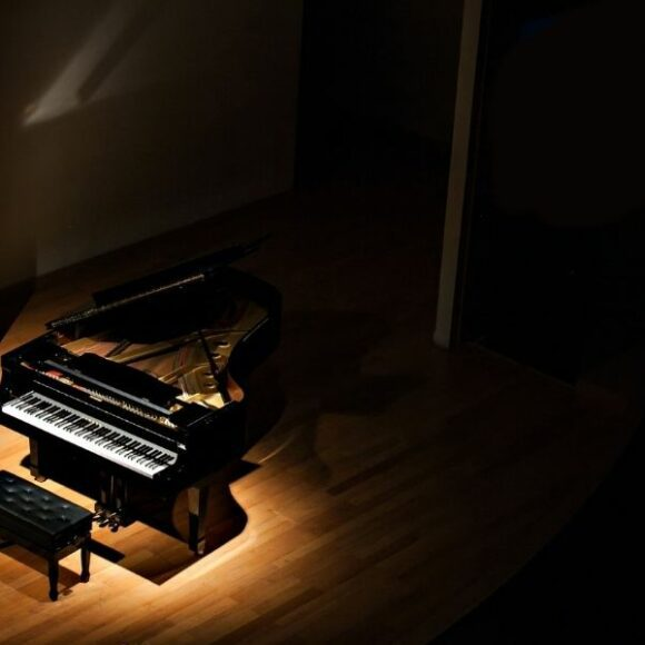 What puts the 'grand' in grand piano?