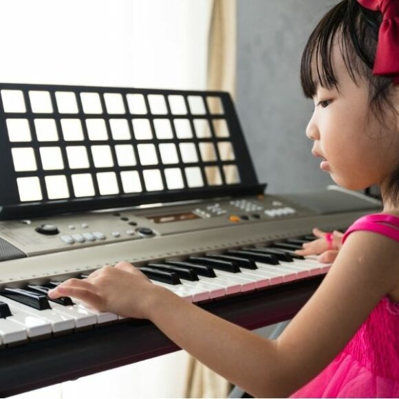 Can you learn to play the piano on a keyboard?